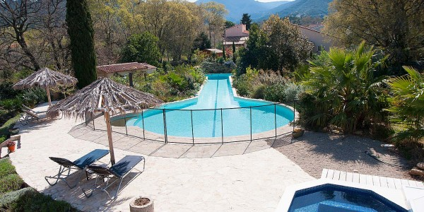 Your villa nestled in tranquil nature with large pool & jacuzzi