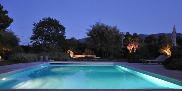 location vacances argeles sur mer, piscine éclairée de nuit