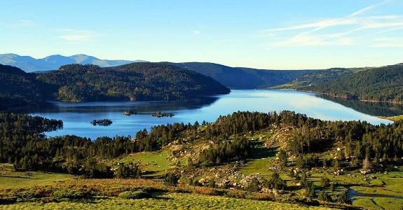 lac-des-bouillouses-montagne